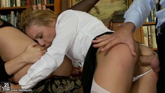 Neat opposite sex Cindy Expect and Nikky Thorne gets their personal asses