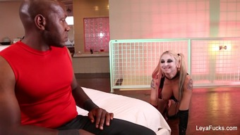 Leya Falcon gets a extreme fucking from Mandingo