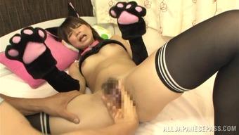 kitty feline appreciates to possess her pussy licked