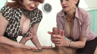 MILFs Lady Sonia and Dry work off great penis