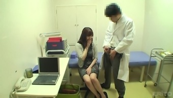 Shy Japanese people date is sizzling and her physician manages to seduce her