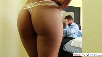 Sensational infant Heather Vahn take pleasure in every second of junk riding session