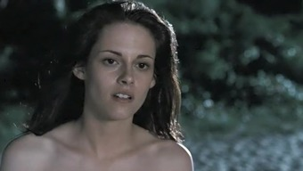 The Twilight Saga Breaking Dawn Part one(1) (2011) Kristen Stewart