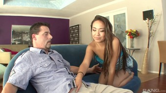 Senior fellow likes to train Lily Lust a few intercourse special tools