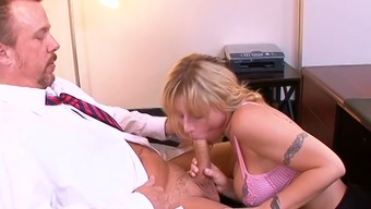 Busty secretary Velicity Von gives her person-in-charge a sexy blowjob