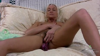 Hairy mature twat on a attractive masturbating blonde