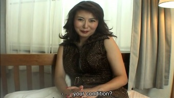 Proficient Japanese people MILF Maria Yuuki gives an question