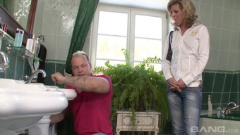 A great threesome along with experienced women spiced up with several pissing