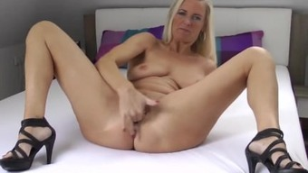 The german language MILF SQUIRTING AND Fool OFF INSTRUCTIO