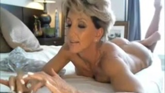 Warm Cougar Performing and Cumming Living