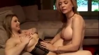 Nina Hartley Indicates Us all How you can Have Pussy