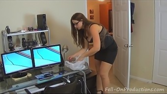 Madisin Lee in Mama spies on youngster while you're in the shower. Teenager revenge fucks Her.