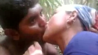 Kinky Indian local date stinks cock within the scrub