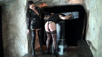 Leathered Girl cumshot with her boots