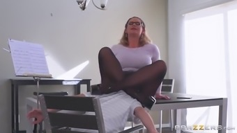 Big ass mum in stockings seduces youthful man