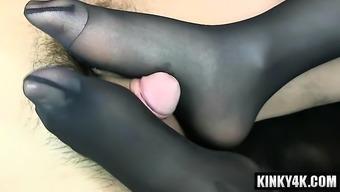 Hot porno star footjob along with cumshot