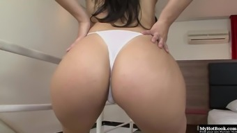Paola Melao has a remarkable ass that it guy cant get over