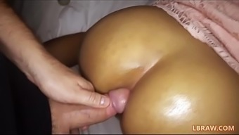 Teenager Ladyboy Yo Fucked Bareback