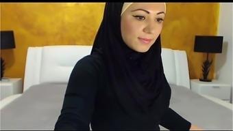 hot arabic girl masturbating cumming for you فتاة عربية تستمني امام الكاميرة