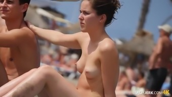 Tiny youthful tits look astounding within the sun