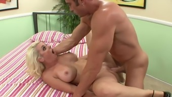 Cuckold watches his curvaceous wife fuck an important penis bf
