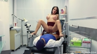 Spanish hottie Bianka White is fucked in the heart of the gynecological sofa