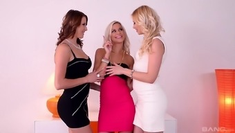 Lesbian threesome with Lola Blond and Victoria Daniels is memorable