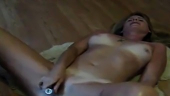 husband cums over masturbating mature girl