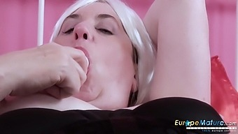 Wondrous chubby old bitch Trisha loves masturbating her old cunt
