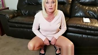 Aunt Paris loves to fucks her nephew