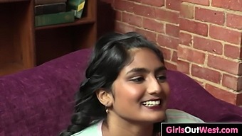 Indian girl sex with foreign girl