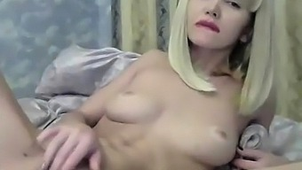 amazing russian milf fingering her tight pussy
