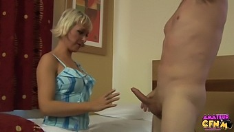 Skinny mature Tracy Venus enjoys sucking stiff cock of her man