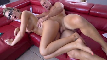 Gorgeous wife fucked on the dry couch by the masseur