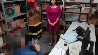 Shoplyfter -Teen robber perpetrator Karlee Dreary made to piece and fuck to refrain from imprisonment