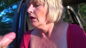 Heated send showing great pickings matured BBW masturbating in automobile