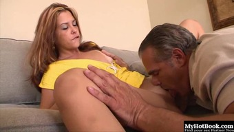 Curvaceous damsel getting her gap filled up via the skilled enthusiast