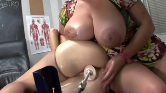 Brunette mom is generating dildo in their puss