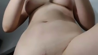 Leilani Masturbate And Fountain On Webcam Part two(2)