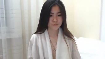 beautiful natural date squirts on cam