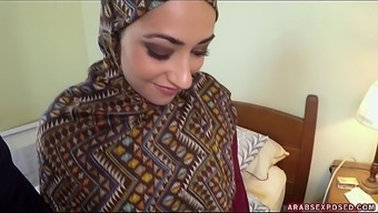 Arab Woman In Hijab: No Earnings, Not a problem - Arabs Exposed (xc15339)