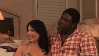 Cuckolded husband watches his wife swallow another guy's load