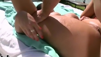 BANGBROS - Thicc Brunette Miss Raquel Gets Her Big Ass Hole Figgity Fucked