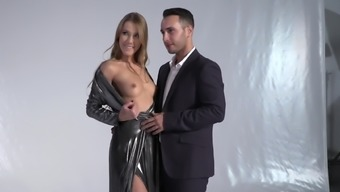 Brilliant model poses then gets double penetrated in a wild way