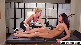 Jaye summer tries 69 pussy licking with india summer